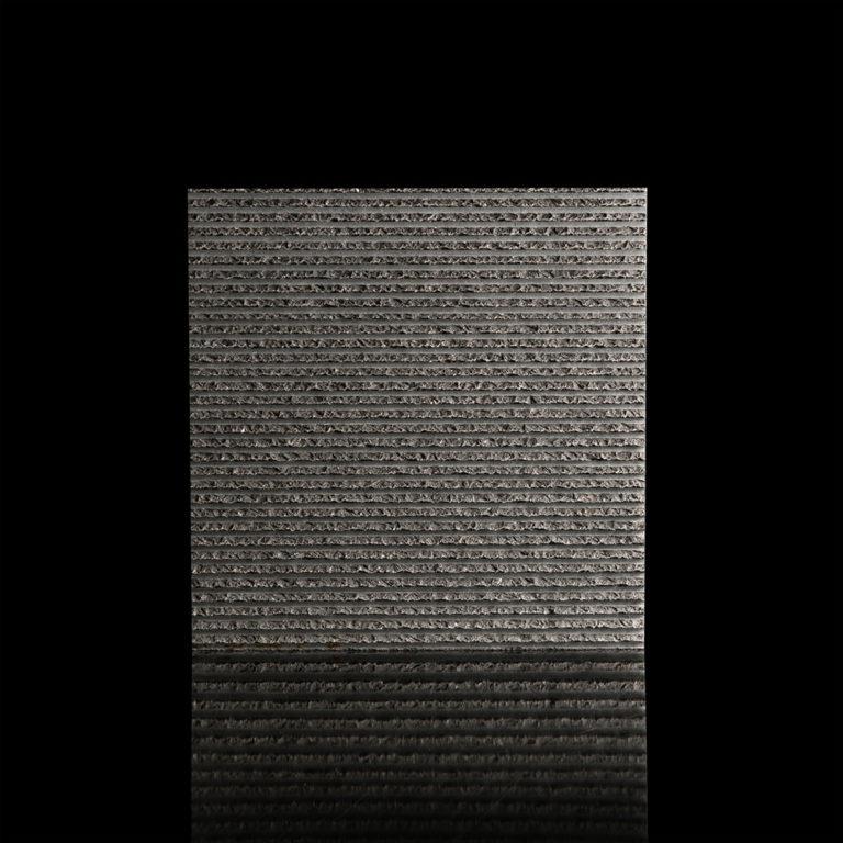 040-GDStone_Tiles_Belgium-Black-stone-chiselled