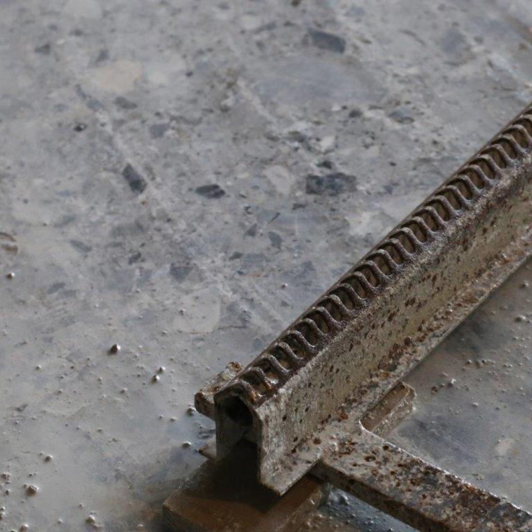 241 Bluestone_StoneTiles_Titanium_Travertine_Honed_Unfilled_0003_Grigio Perla Quarry Floor