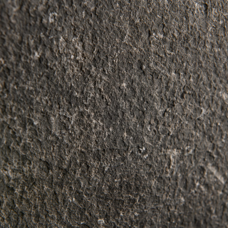 038 GDStone_Tiles_Belgium black stone Sandblasted & Waterjet