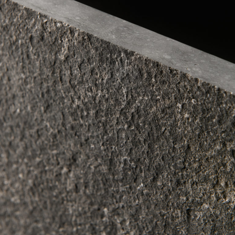 039 GDStone_Tiles_Belgium black stone Sandblasted & Waterjet