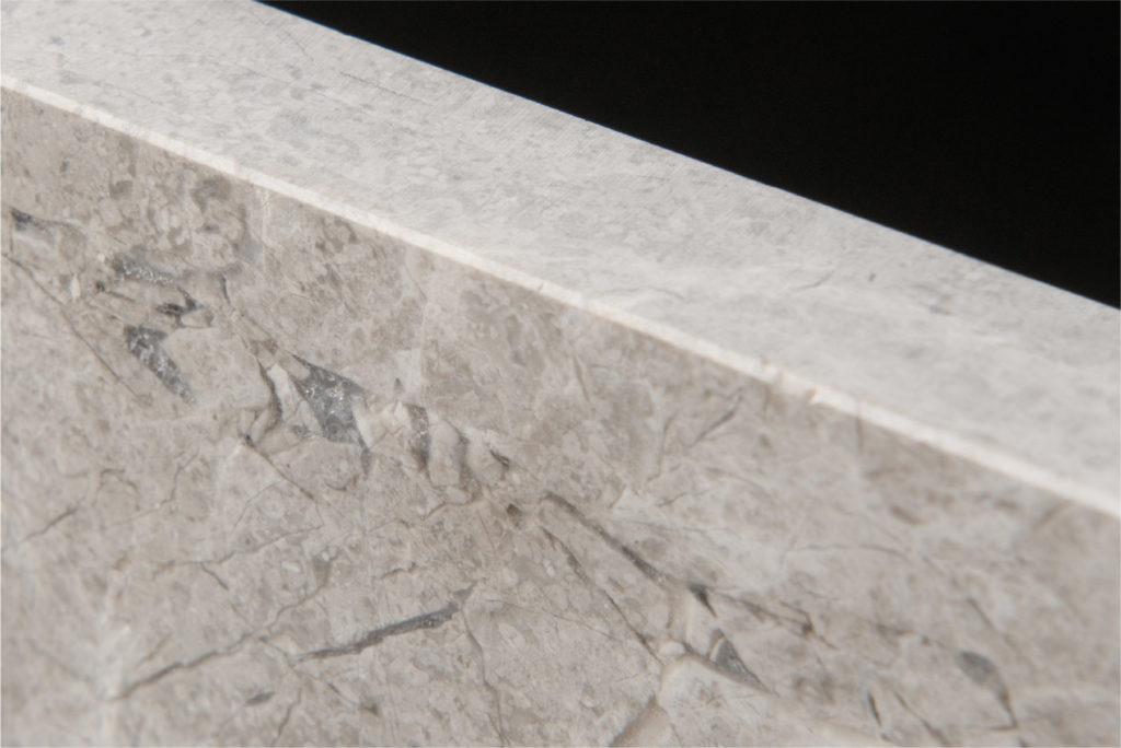 Alpone-White-Close-Up